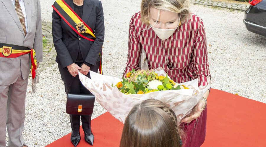 Koningin bezoekt Oost-Vlaamse bedrijven